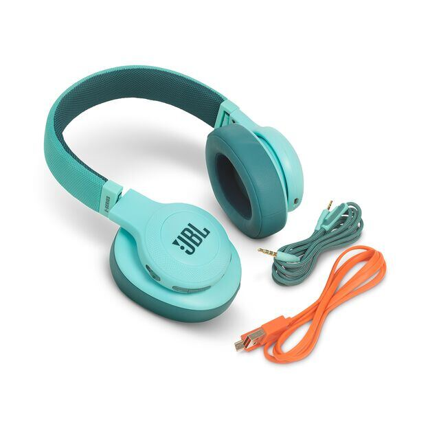 JBL E55BT - Teal - Wireless over-ear headphones - Detailshot 5
