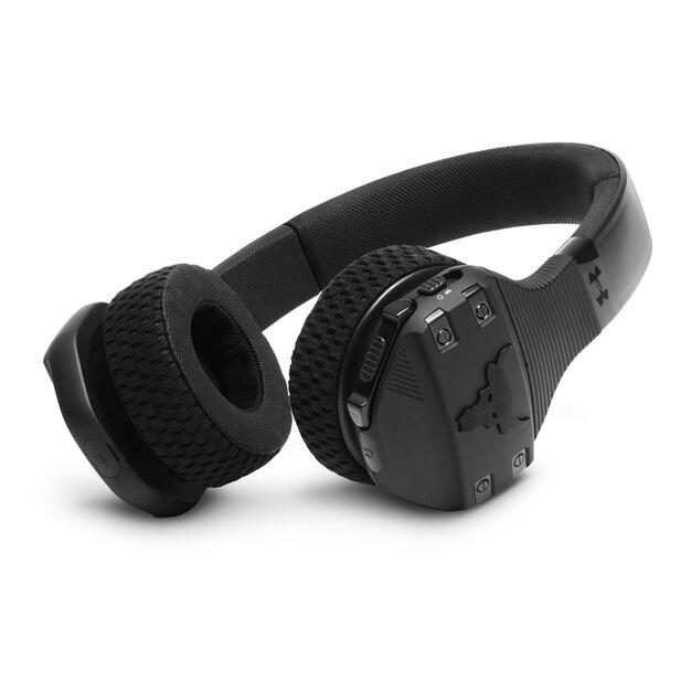 UA Sport Wireless Train Project Rock – Engineered by JBL - Black Matte - On-ear sport Headphones - Detailshot 1