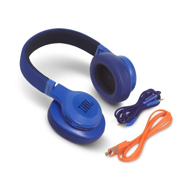 JBL E55BT - Blue - Wireless over-ear headphones - Detailshot 5